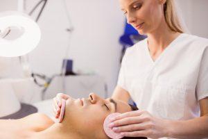 טיפול פנים לגברים בצפון אצל המומחית בתחום - רוחל'ה קוסמטיקה